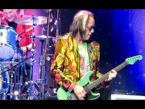 Todd Rundgren with Ringo Starr & His All Starr Band - I Saw The Light (Las Vegas 2013)