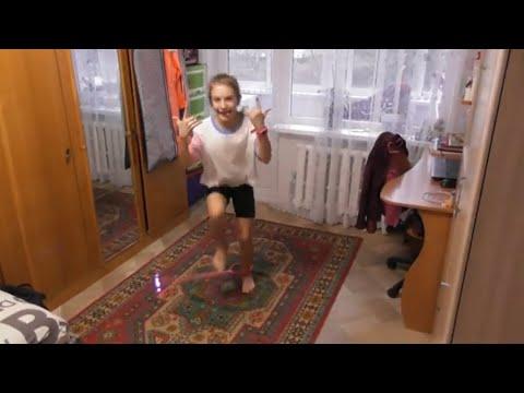 Упражнения на скакалке нового поколения (нейроскакалка) на выносливость и координацию движений
