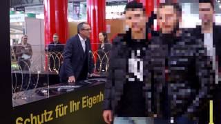 Tödlicher Nato-Draht bei Wiener Messe angeboten