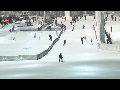 Long-awaited indoor ski slope opens at American Dream
