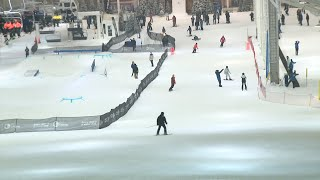 Long-awaited_indoor_ski_slope_opens_at_American_Dream