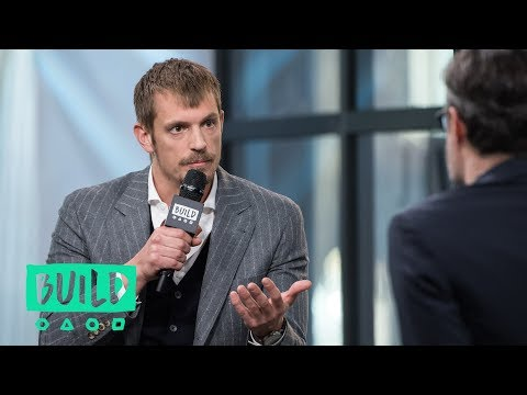 """Joel Kinnaman Stops By To Discuss """"Altered Carbon"""""""