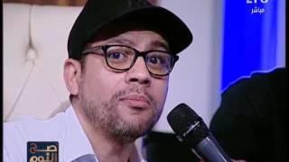 مؤسس فرقة كنوز مصر يغنى
