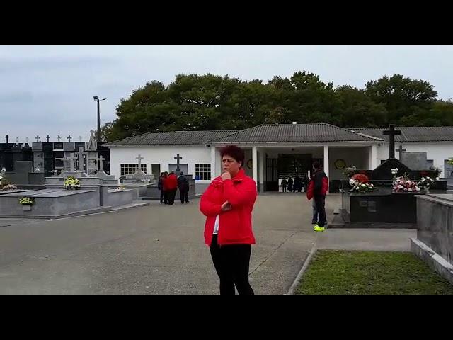Música en el cementerio de Vilalba en el Día de Todos los Santos