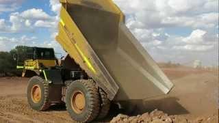 Komatsu 785 Haul Truck tipping loads