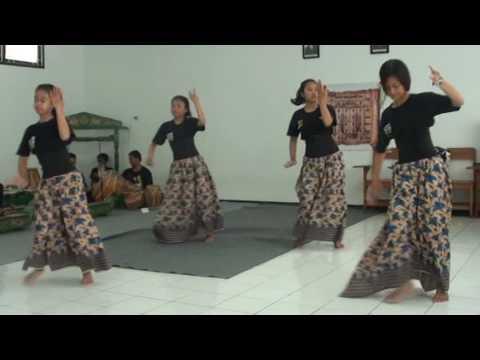 Jaipong Mojang Priangan SMK PASA (Pangeran Aria Soeria Atmadja) SUMEDANG