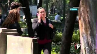 Repeat youtube video Bromas pesadas en la calle con ropa interior