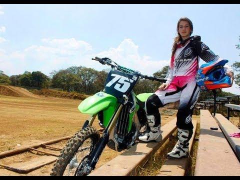 Motocross Racer Lorena Garal En Warp Tv