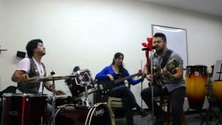 HONEY ON THE VINE - La Disolución Asociada 2013