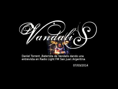 Vandalis entrevista a Daniel Torrent en Light FM San Juan 07-03-2014