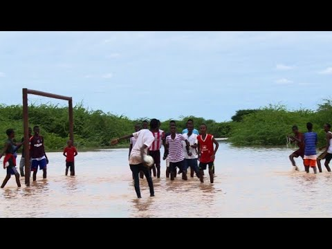 After drought, Kenya's Dadaab refugee camps hit by floods