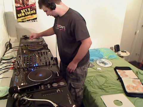 DJ Vipersonic - Hardcore TenMinMix 14 - Thin N Crispy Goodness!!!