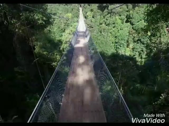 Keren !!! Jembatan gantung terpanjang di Indonesia ada di Sukabumi loh