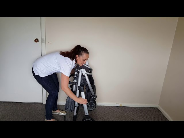 Folding the Uppababy Cruz