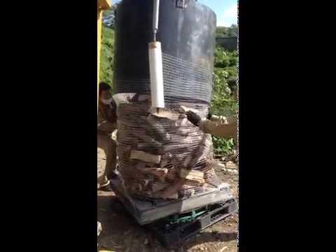 面白い薪の梱包方法 山の家 薪づくり