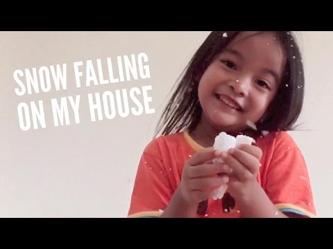Snow Falling on Zara's House | Zara bermain Salju | DIY snow