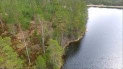 Metsätila omalla järvellä