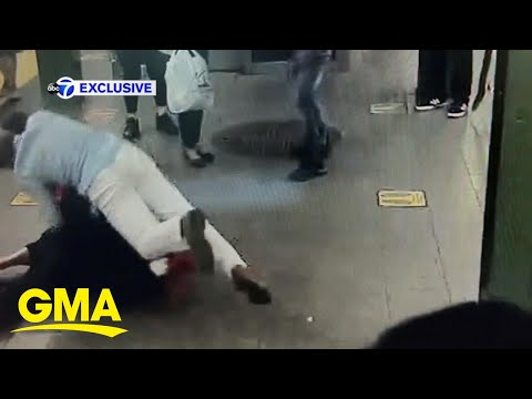 Good Samaritan saves woman from knife attack in NYC l GMA