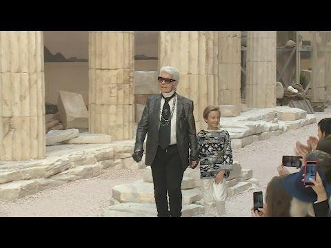 Défilé Chanel Croisière 2017/18 La modernité de l'Antiquité