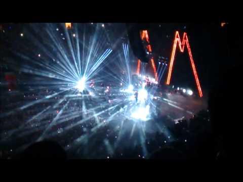 Arctic Monkeys @ MSG Highlights (Beatles Cover)