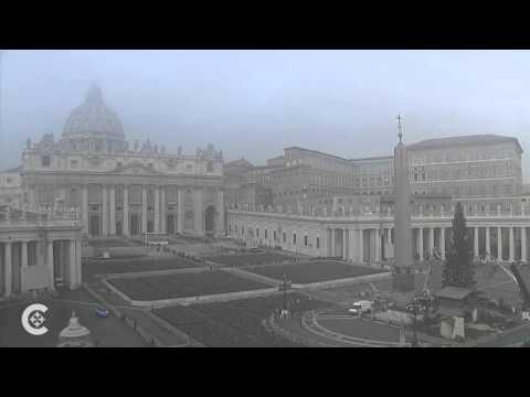 Fog engulfs the Vatican