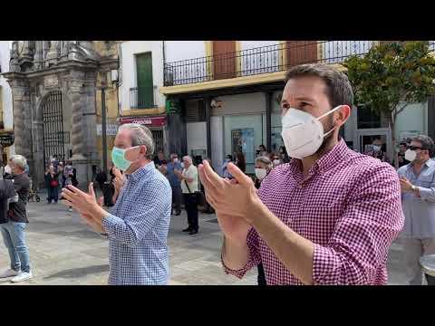 Córdoba homenajea a Julio Anguita con 20 minutos de aplausos