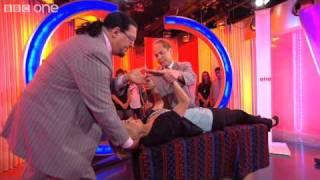Penn and Teller Levitation Magic - The One Show - BBC One