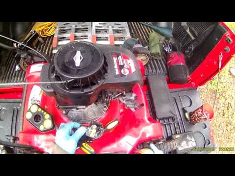 briggs & stratton 500 series carburetor cleaning part 1