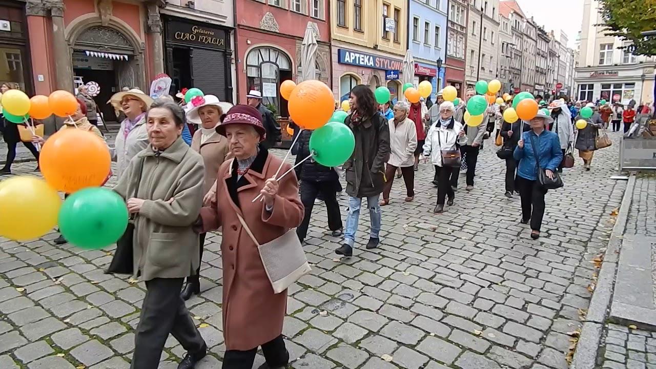 Marsz seniorów w Świdnicy