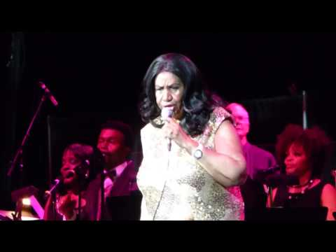 Aretha Franklin - Freeway Of Love live @ Oracle Arena , Oakland - August 10, 2015
