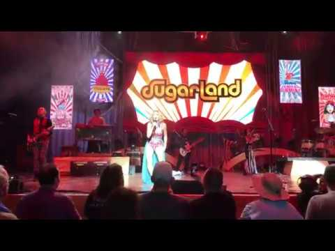 """Bigger"" - Opening Song - By Sugarland LIVE In Columbia, MD"