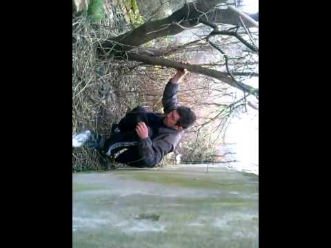 Мужик какает на женщину видео фото 364-652