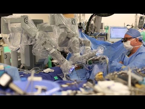 CNET News - How robots could be your future surgeons
