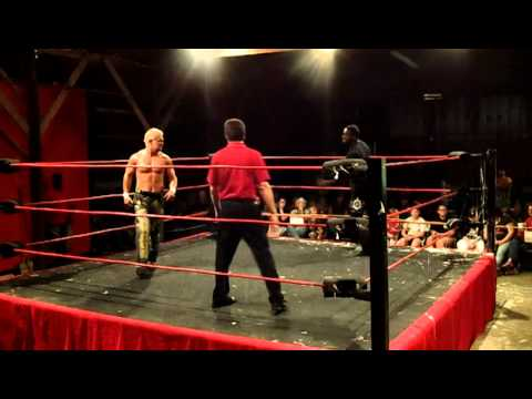 Big Mike Carter vs Grandmaster Sexay Brian Christopher