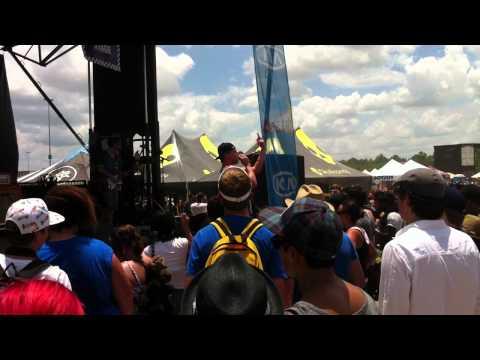 Vonnegutt - Deuces (Chris Brown Cover) Live at Vans Warped Tour - Houston, TX