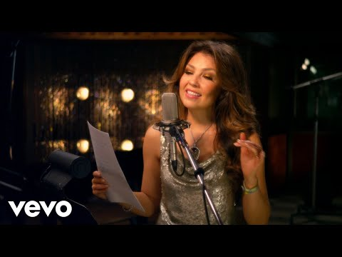 Tony Bennett duet with Thalia - The Way You Look Tonight ft. Thalia