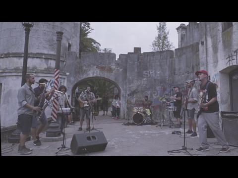 Cuatro Pesos de Propina presentó su primer tema desde la salida de su vocalista