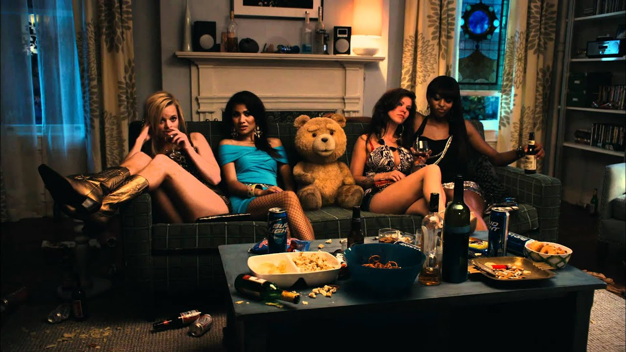 Ted Trailer Green Band Oficial De Seth Macfarlane Creador De Padre De Familia Universal Pictures