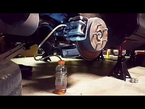 Brake Fluid Flush >> Gen4 (2012+) Honda CRV brake fluid flush (1 person method ...