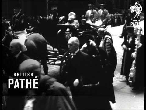 Lord Mayor Of London Greets King George VI (1944)