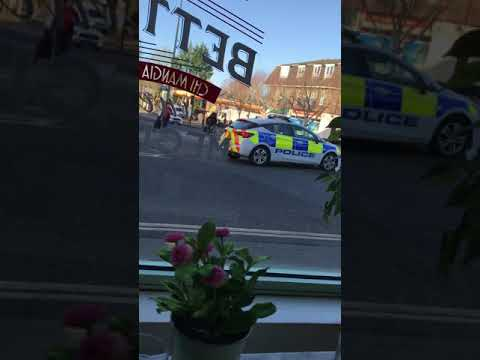 Uk police going wrong way with no emergency in oxford