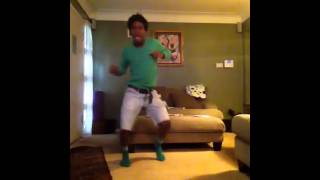 Dancing to shoot out by soulja boy