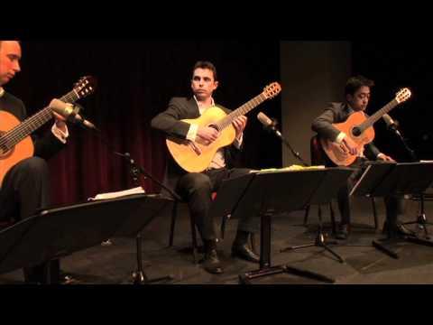 barrios guitar quartet plays antonio vivaldi 39 la follia 39 doovi. Black Bedroom Furniture Sets. Home Design Ideas