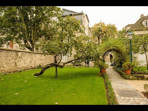 Places to see in ( Paris - France ) Musee de Montmartre