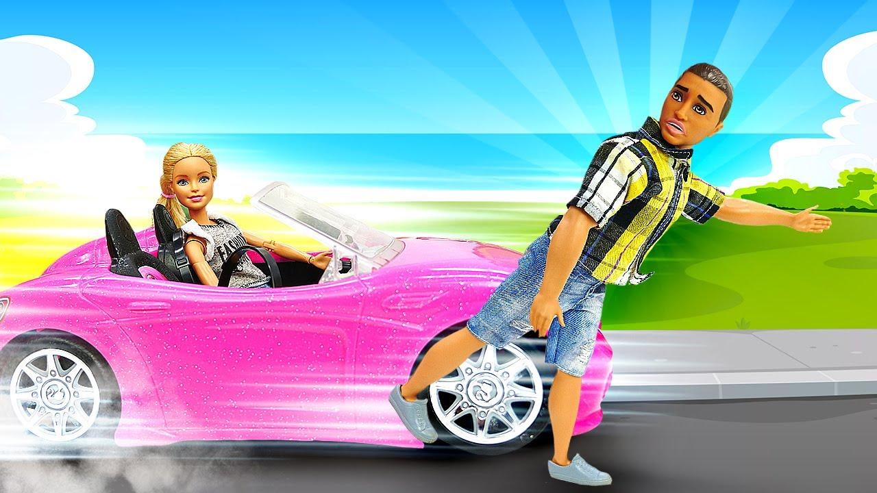 Barbie intenta sacar el carné. El coche de Barbie. Videos de muñecas