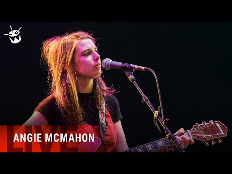 Angie McMahon - 'Slow Mover' (live at Splendour In The Grass 2018)