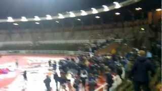 DIF-häcken framåt kämpa efter matchen