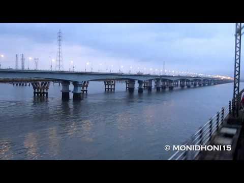 34. CROSSING THE VASHI BRIDGE , NAVI MUMBAI.