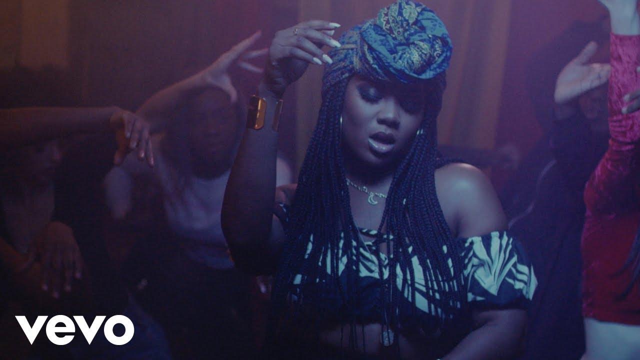 Download Dyo - Papaya (Official Video) ft. Lord Afrixana