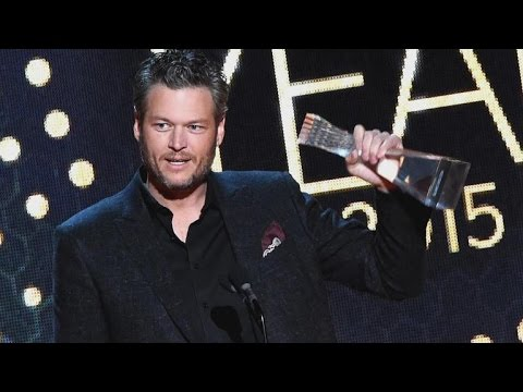 Blake Shelton Talks 'Crazy Year' in CMT Acceptance Speech:  But 'It's Ending So Awesome'